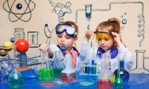 Fizyka dla Smyka – pokazy naukowe Akademii w Olsztynie. Eksperymenty i doświadczenia dla dzieci.